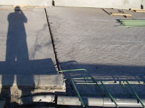 Bridge slabs expansion joint